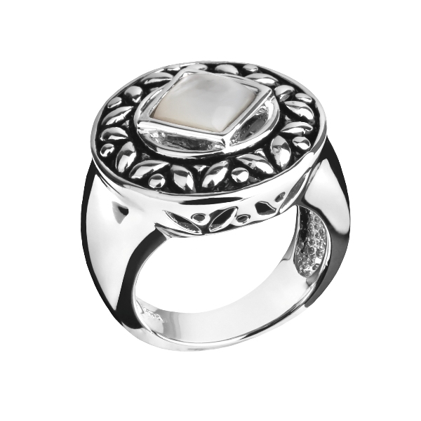 Кольцо из серебра De luna Luxe. Перламутр, Серебро 925. Длина 18мм, Ширина 18мм. Вес изделия - 9.9