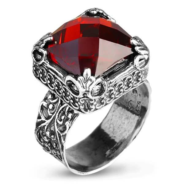 Купить Серебряное кольцо Yaffo с фианитом цвета Гранат SAR1032