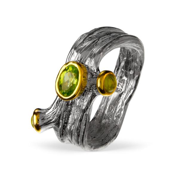 Серебряное кольцо Sandara с перидотом и позолотой PDR097  - купить со скидкой