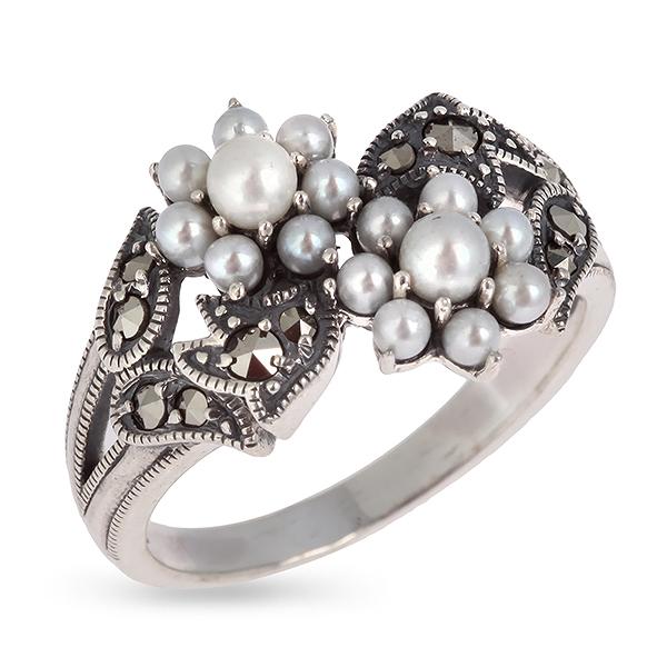 Купить со скидкой Серебряное кольцо c микрожемчугом и марказитами RKR044